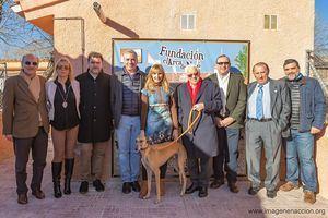 El Padre Ángel, acude a la Fundación el Arca de Noé y junto a su presidenta Alejandra Botto y otras autoridades inaugura el pabellón que lleva su nombre como Patrono de Honor