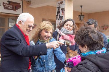 El Padre Ángel celebra San Antón 2020 en la Fundación El Arca de Noé