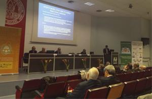 Representantes de los sectores ganadero, alimentario y la industria farmacéutica se reúnen en Murcia para aunar fuerzas en la lucha contra las resistencias a los antimicrobianos